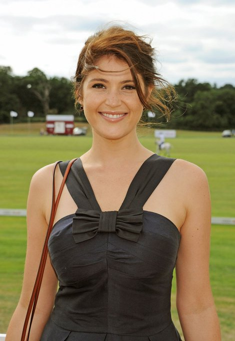Happy Birthday wishes to Gemma Arterton who is 33 today.