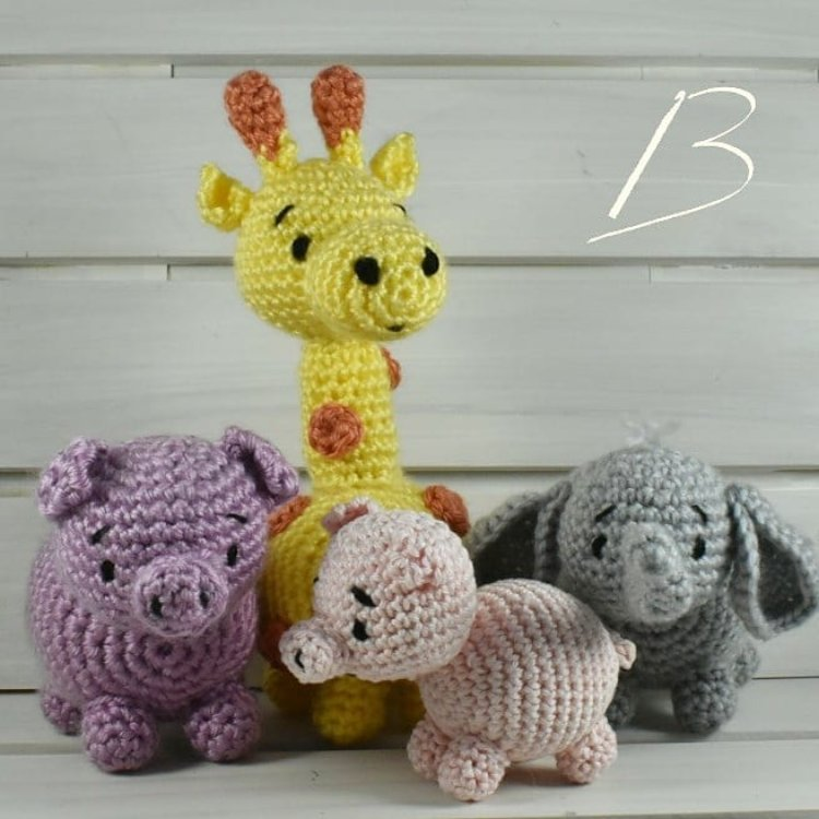 Bichinho Crochê Girafa Leão Elefante Amigurumi - R$ 219,90 em ... | 750x750