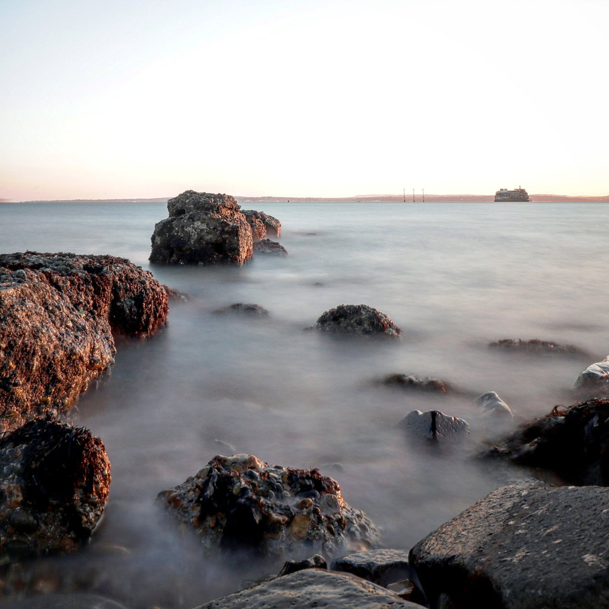 b0f75fa6 ... #mist of #tide #swirling #twisting #sea #lapping #swell #ripples  #gushing #horizon #becons #longexposure #Southsea #seascape #time #relaxing  #peaceful ...