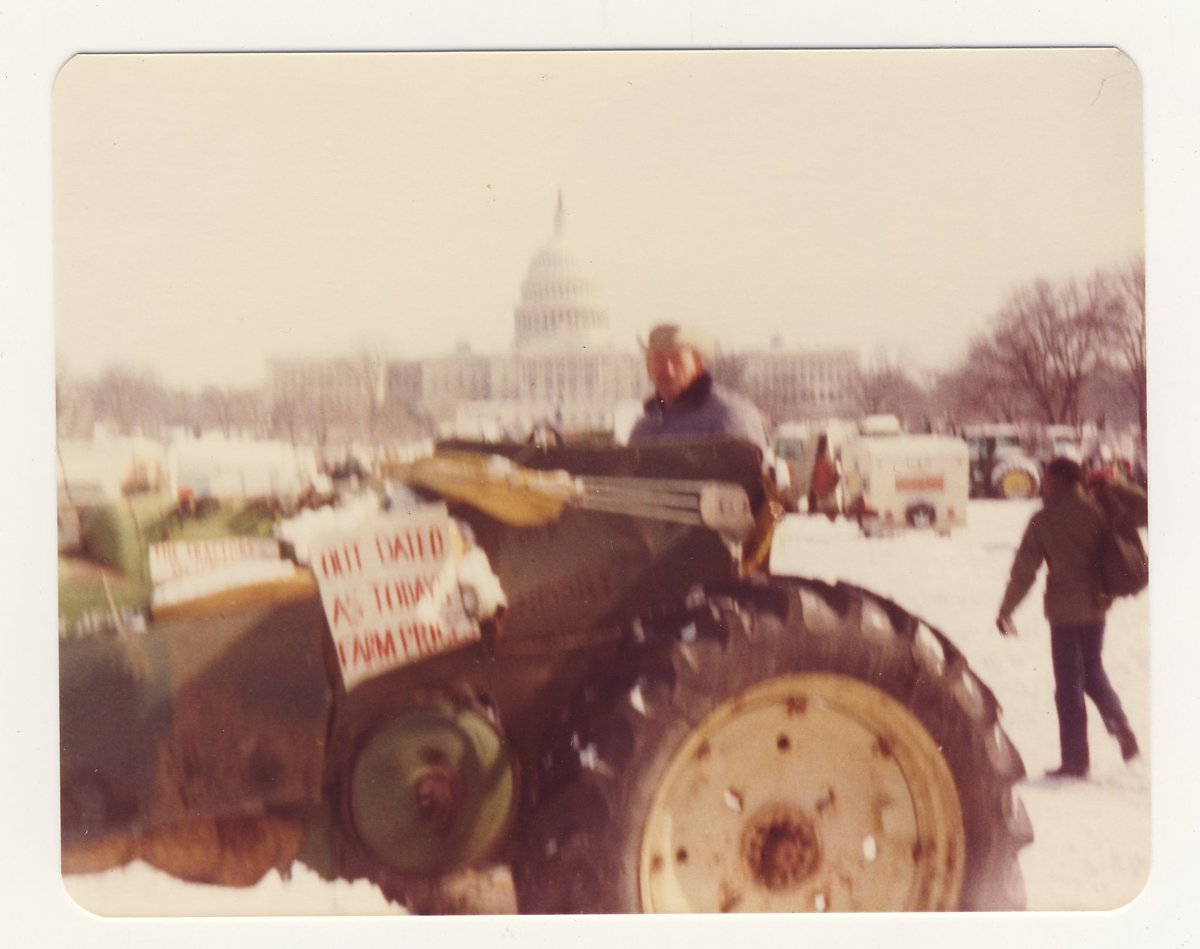 @ShaunPTyson My dad drove this tractor 1700 miles to DC that winter