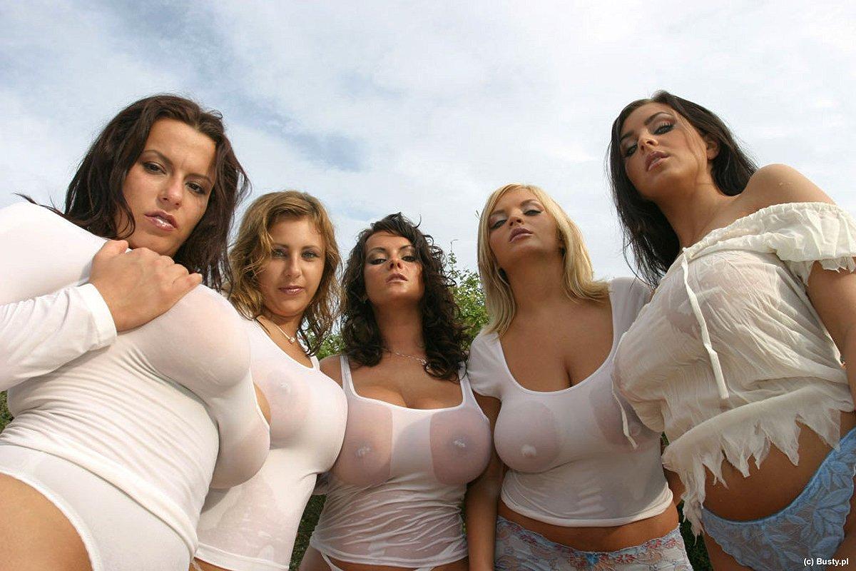 Для открытки, картинка прикол про грудь