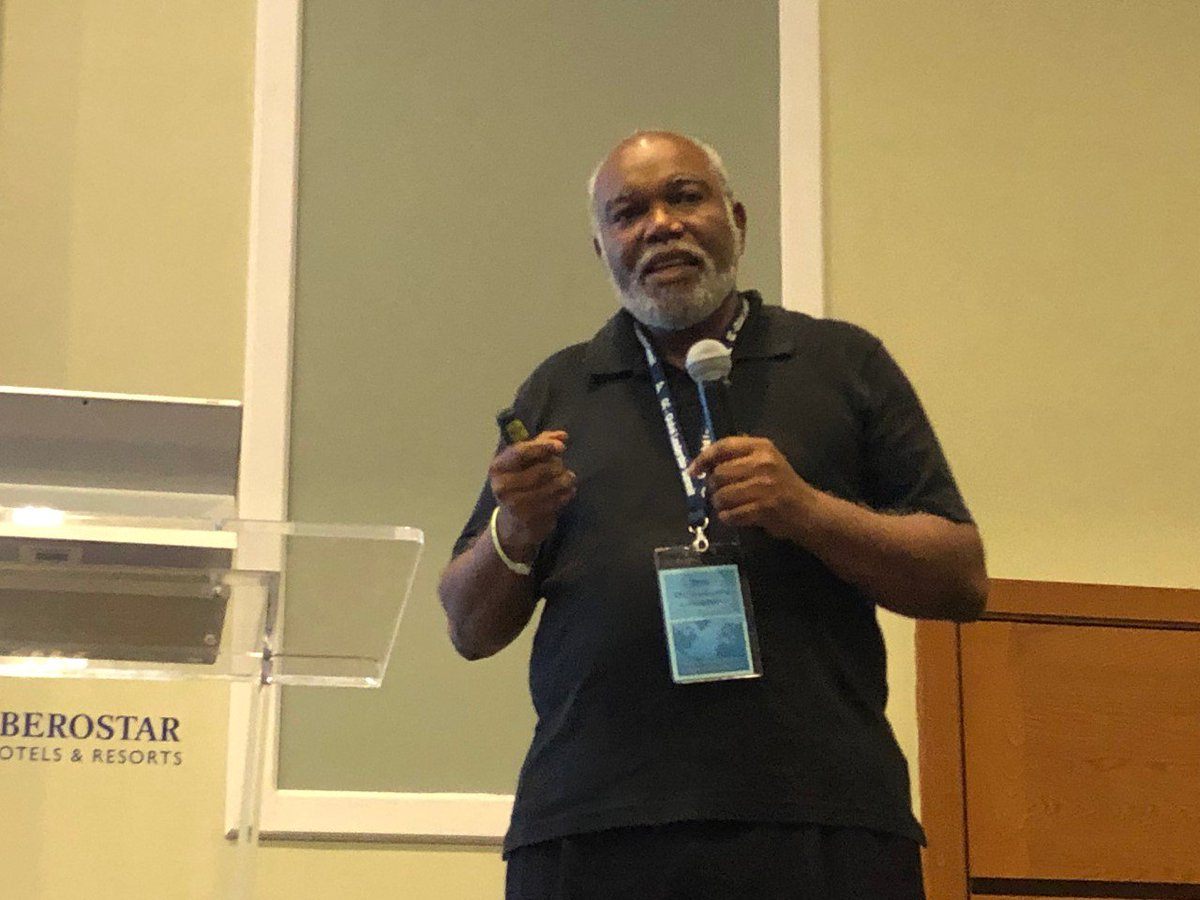 """Dr. Zeno Charles-Marcel: How can people be encouraged to make lasting changes to lifestyle? Don't use a fear-based approach such as, """"If you don't change, you'll die."""" People scared into being healthy often end up regressing into worse state than before. #GLS18 Photo: @Doug_Venn<br>http://pic.twitter.com/mUMKYTRDly"""
