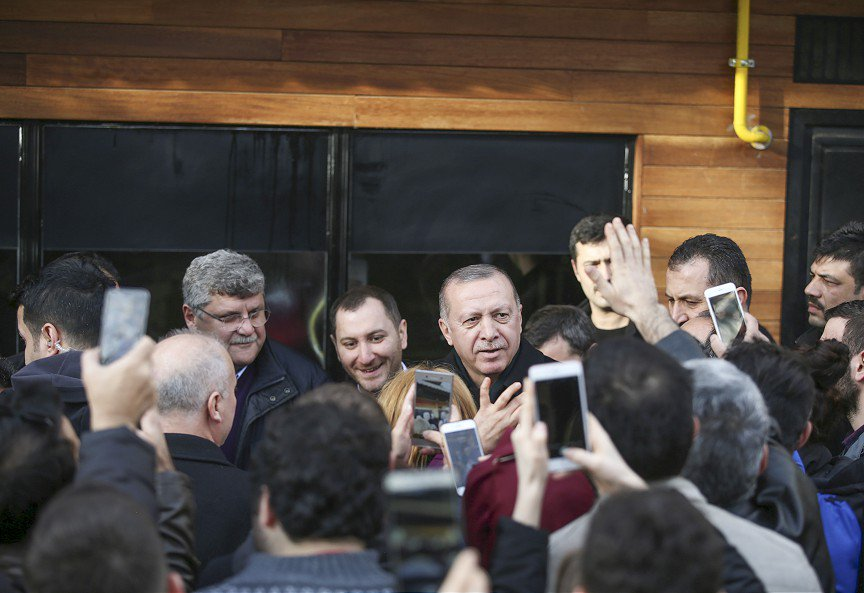 Cumhurbaşkanı Erdoğan vatandaşlarla bir araya geldi http://aane.ws/Ods