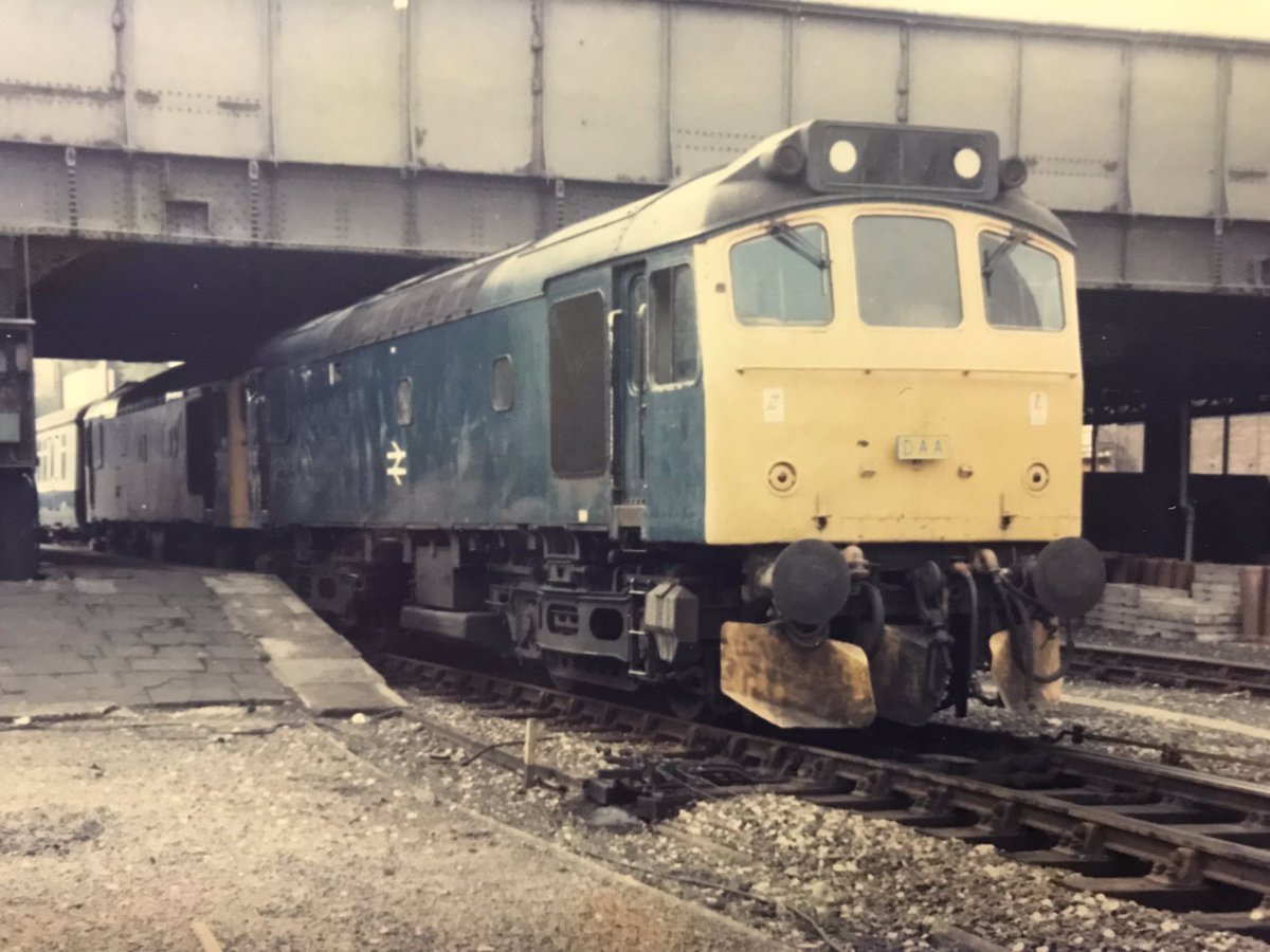 Dyg8RsNXQAAv3K6 - Marylebone station's anniversary #2