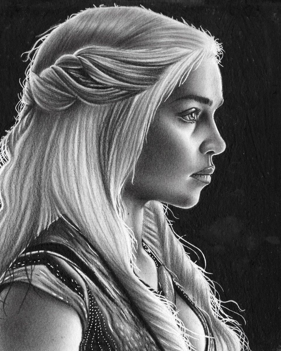 What do you think about my drawing with Daenerys Targaryen  @emiliaclarke  ?  Graphite on 30x30cm paper  #Twitterトレンド大賞 #targaryen #daenerys  #fanart #art #drawing #graphite #GameOfThrones  #RETWEEET #GameofThronesSeason8 #gameofthronesseason7 #EmiliaClarke<br>http://pic.twitter.com/3FLwCAWr8c