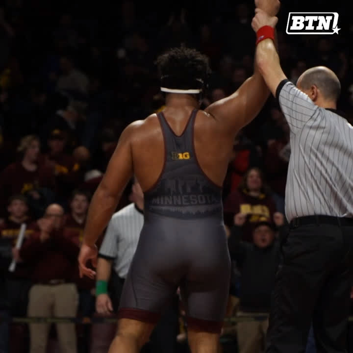 In awe at the size of this lad. Absolute unit.  Another @GopherWrestling match, another @GSteveson win.
