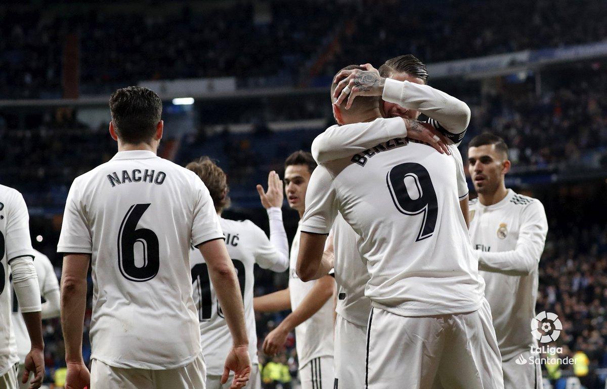 ريال مدريد يهزم ضيفه ديبورتيفو ألافيس بثلاثية دون رد 25