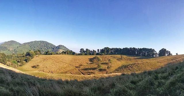 Las montañas no se conquistan... #NeverStop #690abcSports #run #runner #runnerlife #running #runningpassion #runninglife #runtagram #train #trainhard #trainning #trail #trailrunning #trailrunlife #trailrun #trailrunner #trailrunaddict #naturerunners #mou… http://bit.ly/2Gl8aQlpic.twitter.com/kL1Z3nwigF