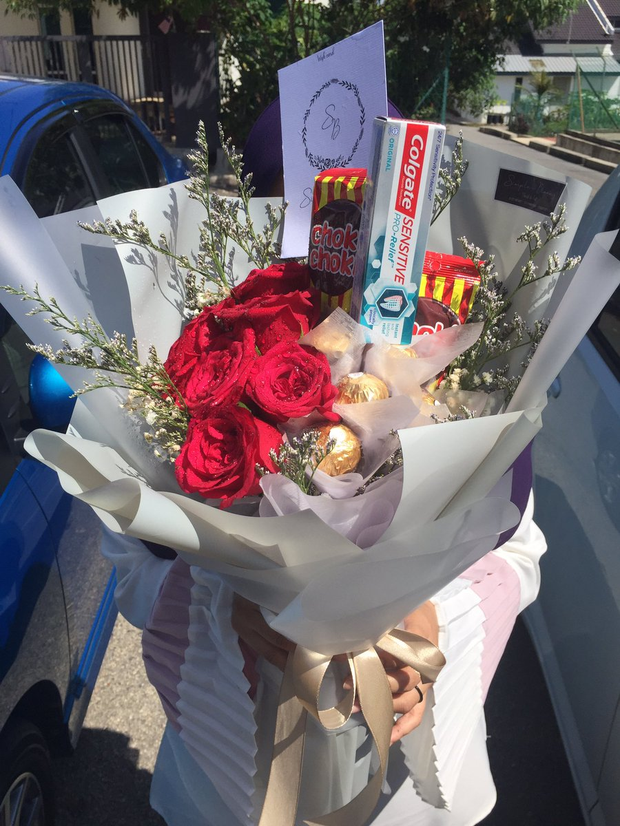 Simple Blooms On Twitter Fresh Flower Bouquet From Rm30 Chocolate Bouquet From Rm30 Hot Air Balloon Package From Rm50 Surprise Planner Kuantan Delivery Around Kuantan Gambang