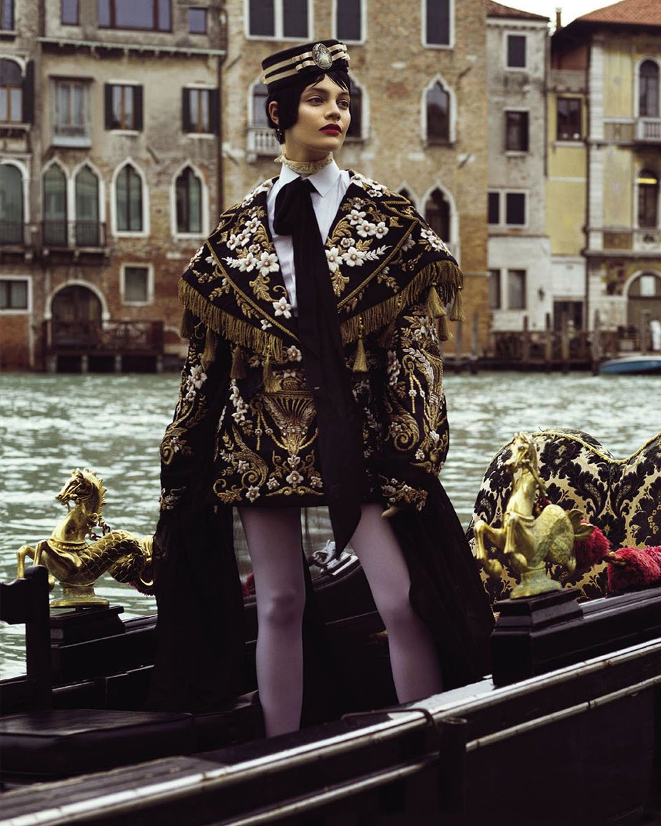 Featured for @VogueArabia, an elegant baroque Dolce&Gabbana jacket, skirt and shirt.  #DGWomen
