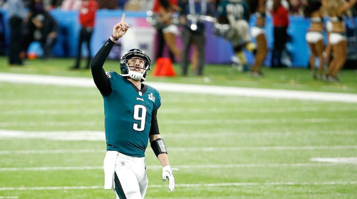 Despite NOT playing in #SuperBowl last night Eagles QB Nick Foles is STILL the last person to throw a TD pass in a Super Bowl   @6abc  #Eagles  #SBLlll <br>http://pic.twitter.com/MKjJpmYAUe