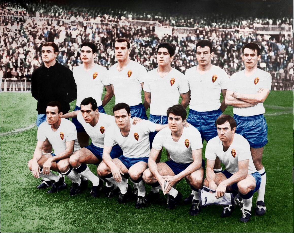 FOTOS HISTORICAS O CHULAS  DE FUTBOL - Página 5 Dyl4jr1XcAkLuAN