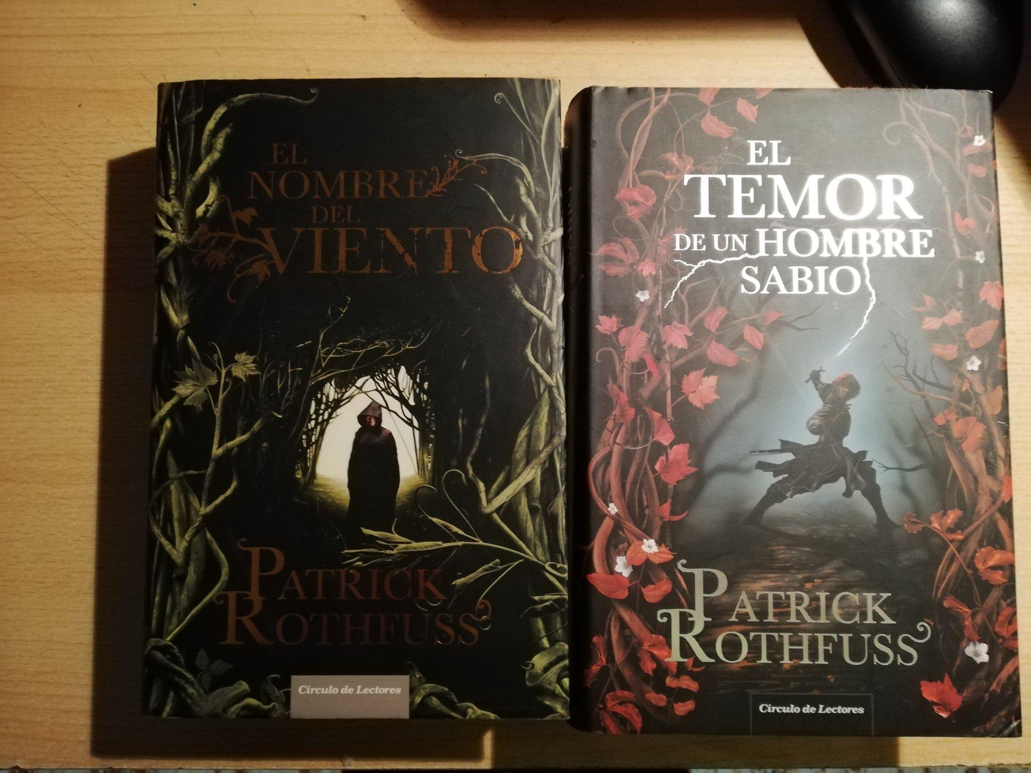 """B. Atrix 📚 Twitter પર: """"#LunesDeFantasia Trilogía Crónica del Asesino de  Reyes. 1. El nombre del viento 2. El temor de un hombre sabio 3."""