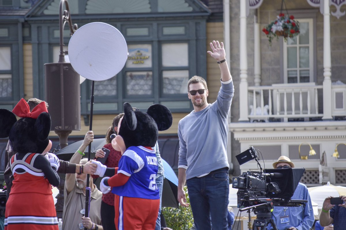 #TomBrady and @Edelman11 from the @Patriots have arrived at Magic Kingdom!!  #SuperBowl #SBLlll  #SuperBowl53<br>http://pic.twitter.com/BnmsmNqBSs