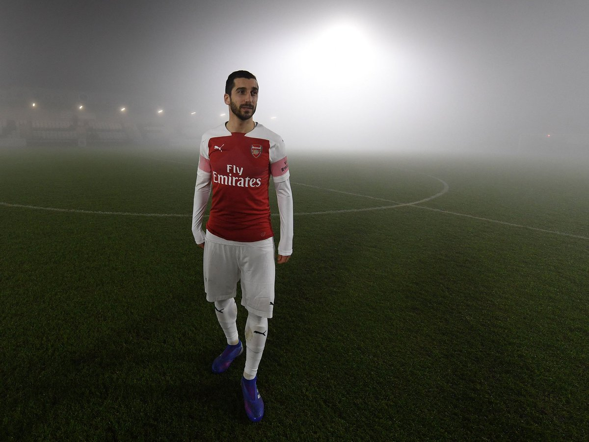 Arsenal's U23 match against West Ham has been abandoned because of fog  Not ideal for Henrikh Mkhitaryan, who was getting in some minutes ahead of his first-team return #afc