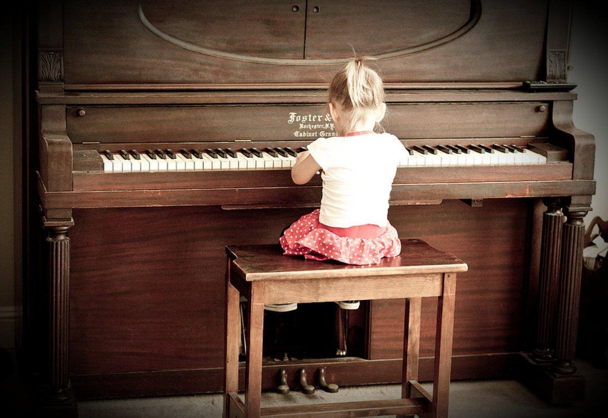 способ видео как учили девушку играть на пианино страницы -мама почему