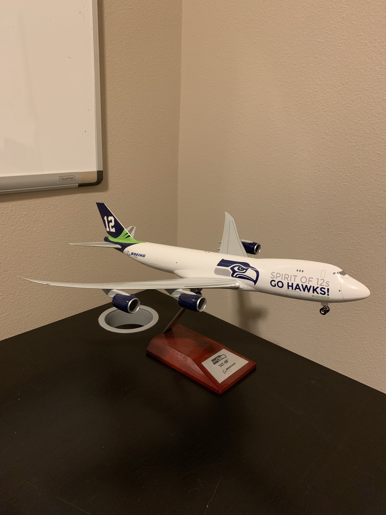 Boeing: twitter post about the 747 from @salman_hyd