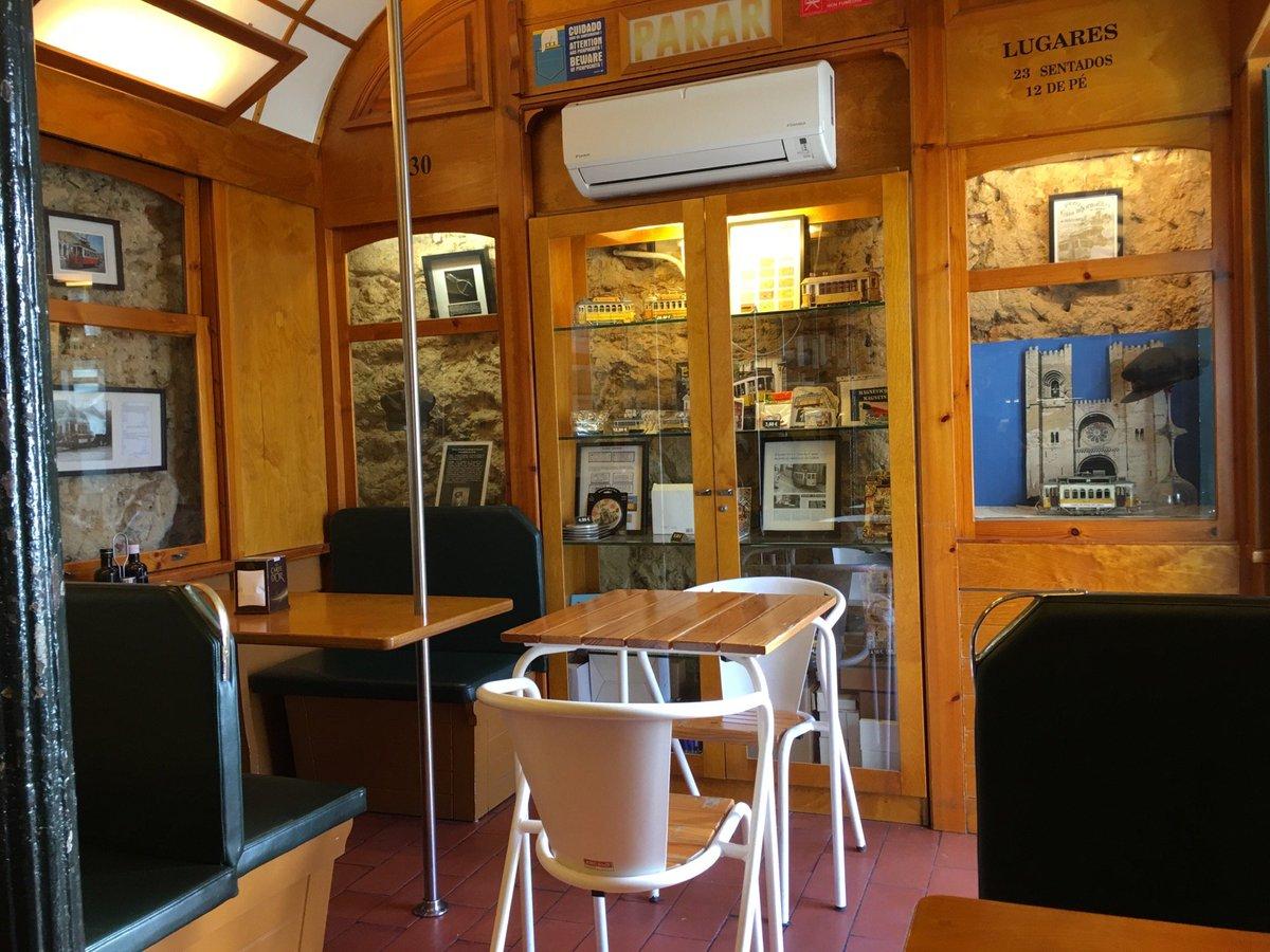 test ツイッターメディア - リスボン、サン・ジョルジュ城の近くにあるカフェ。鉄オタさんが、路面電車の細部までしっかり再現したマニアにはたまらない空間。 (@ 28 Café in Lisboa) https://t.co/E7sQe5NJke https://t.co/Yj91Zw4IrD