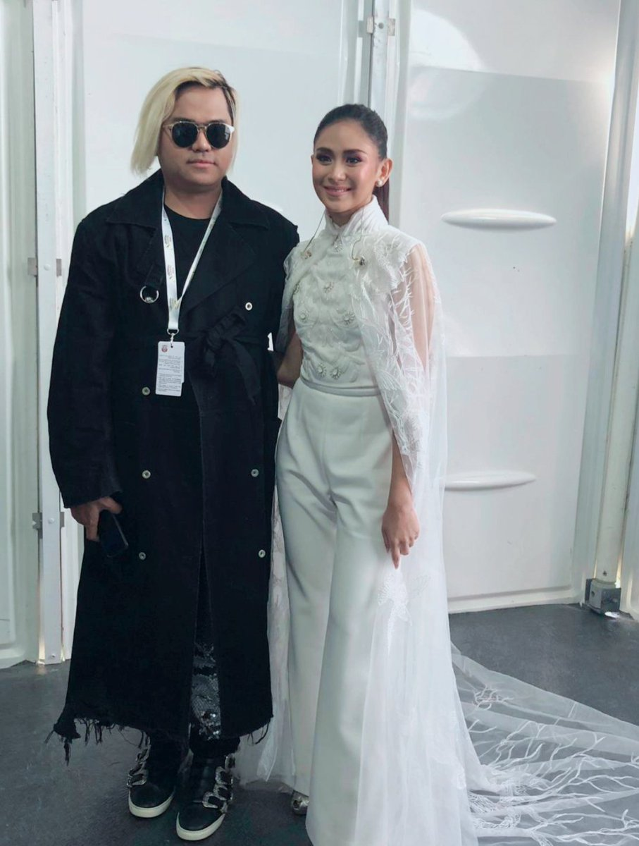 So proud of our very own Asian Pop Royalty #SarahGeronimo invited by the Holy Pope #PopeFrancisInUAE to sing inspirational songs after the Holy Mass wearing Amato Couture by @furneamato1 arranged by @YugenPR <br>http://pic.twitter.com/HZXVPIuuzk
