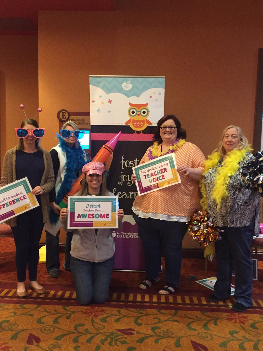 Teachers are AWESOME! Last day of the first grade conference! @sde4educators #sdeevents <br>http://pic.twitter.com/KlTWPR0M7o