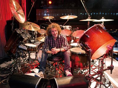 Happy birthday mr. Simon Phillips February 6, 1957