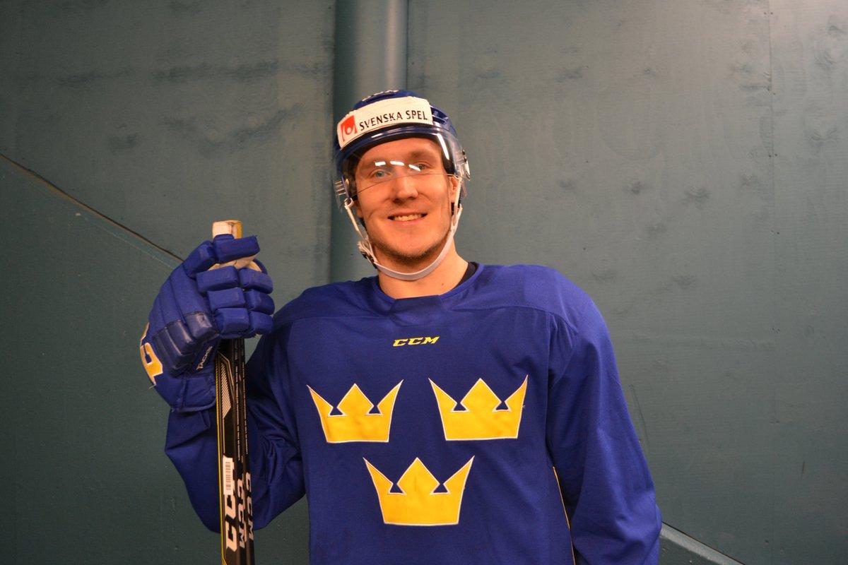 2917bbcd0790 Intervjuer med Acke Ringström, Joel Persson, Magnus Hellberg och Viktor  Lööv kommer på @hockeysverigepic.twitter.com/JLER4iNOSc