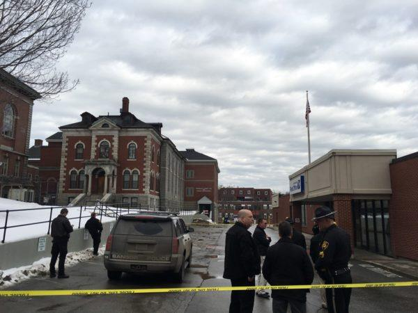 Developing Bangor Post Office Closed After Bomb Scare At Penobscot County Jail Sheriffs Office Bit Ly 2sgxqda Pic Twitter Com Bmoce9rjvn