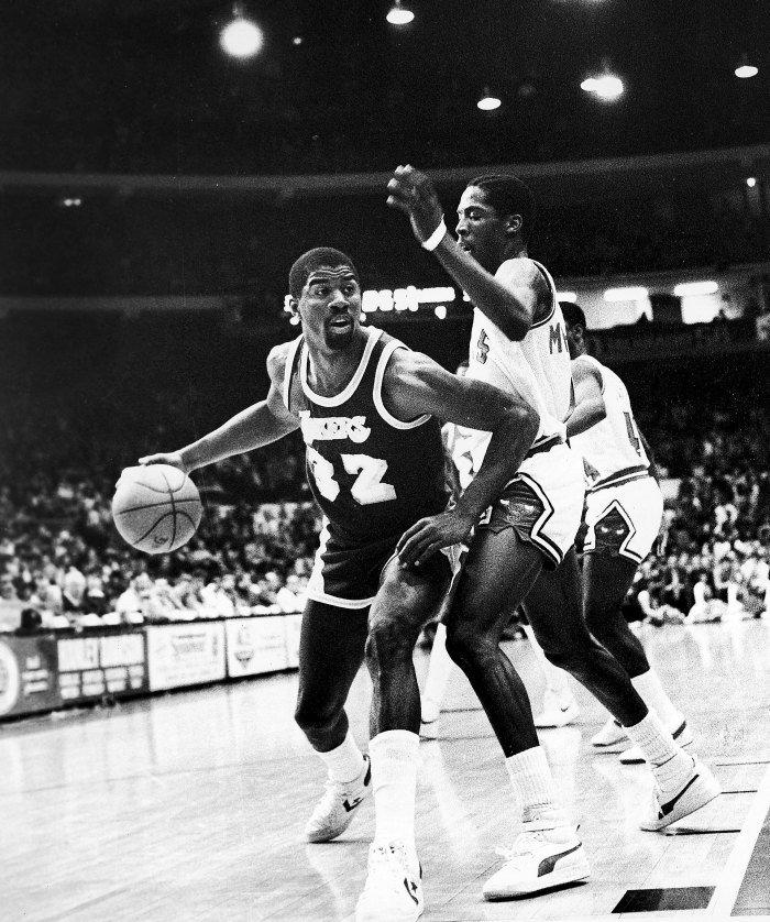 cea6b68b ... his Chicago Bulls backcourt mate Wes Matthews rocked Puma (primarily  the Sky LX). Matthews spent two seasons with the brand.pic.twitter .com/Er6t23wJaM
