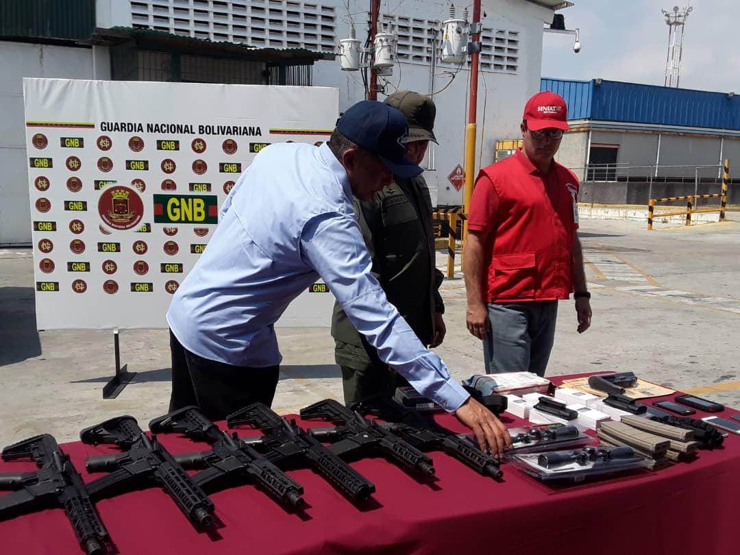 Maduro: Si algo me pasa, ¡retomen el poder y hagan una revolución más radical! - Página 6 DyqrzlrXQAEc1Ow