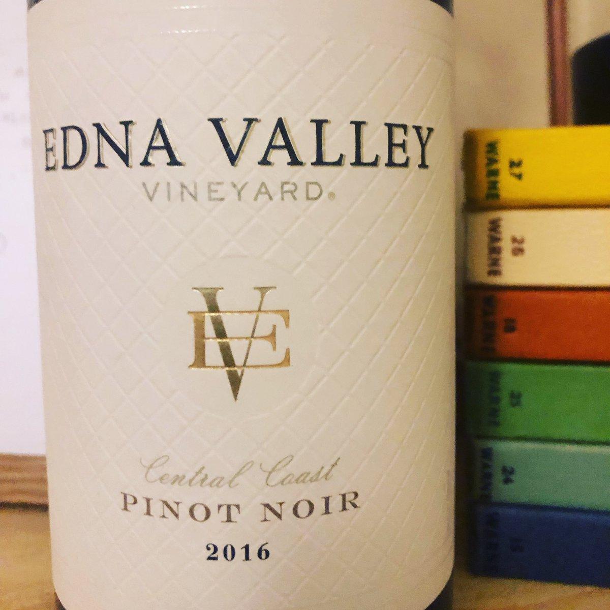 Tonight's wine from @EdnaValley  #ukwinehour #ednavalley #wine #winelovers