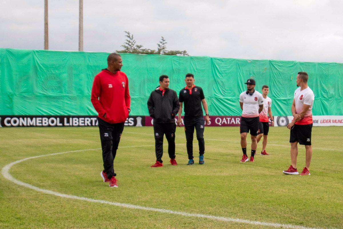 Delfín y Caracas empatan en el estadio Jocay (1-1)