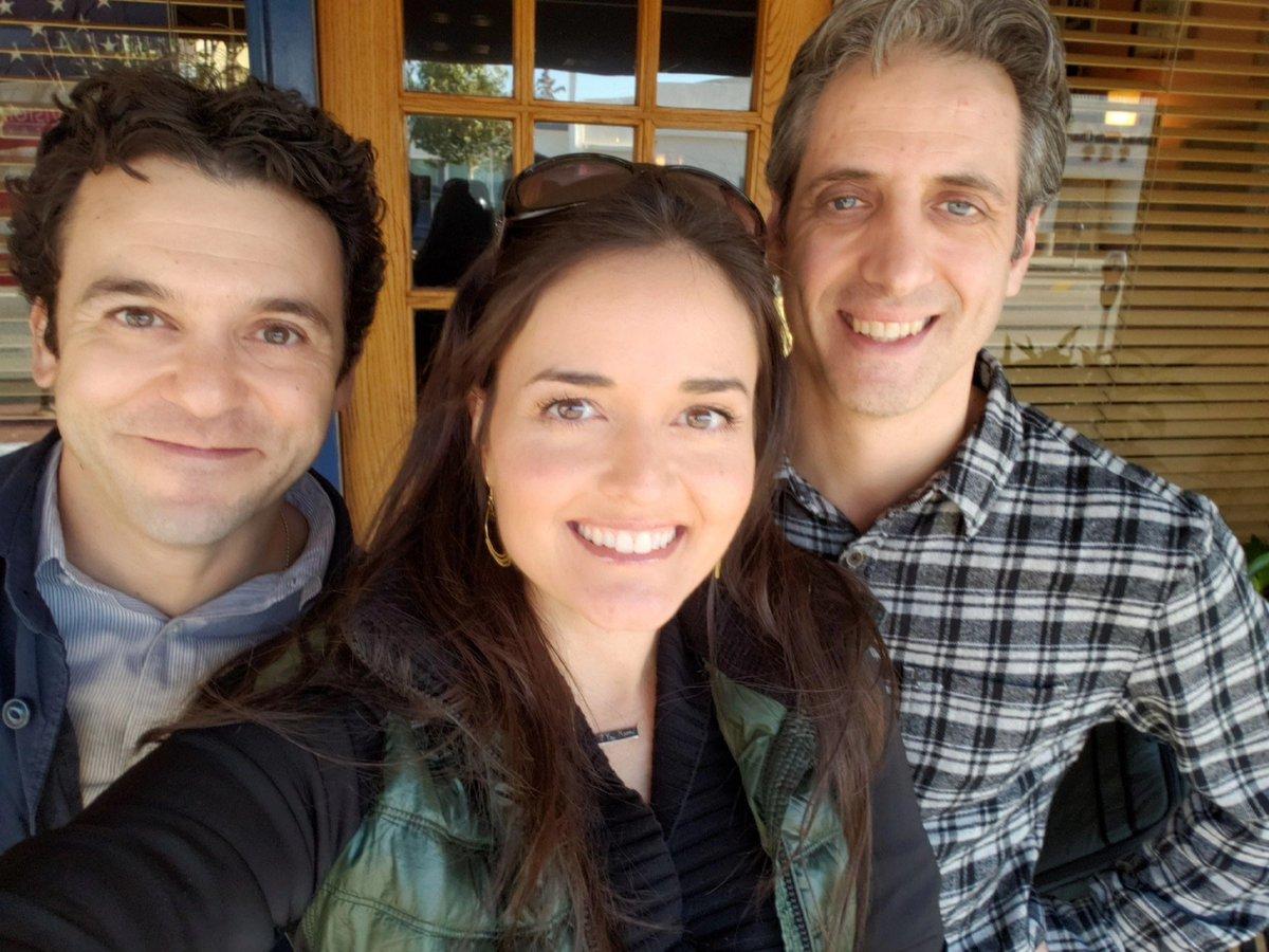 """""""Wonder Years"""" stars reunite: Fred Savage, Danica McKellar and Josh Saviano take photos"""