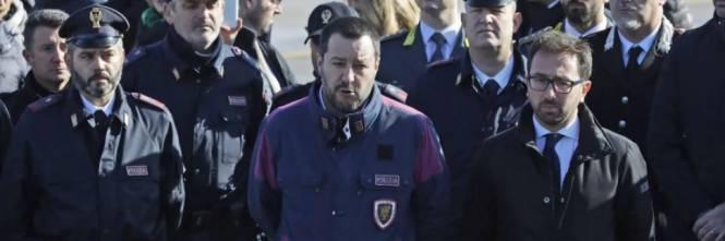 Show all'arresto di #Battisti #Salvini e #Bonafede indagati https://t.co/O8rex27fkx
