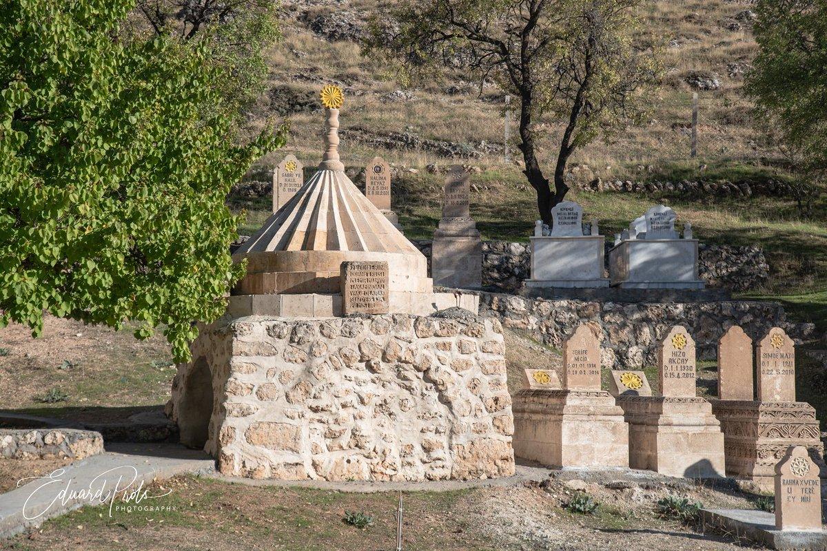 Ep Photo On Twitter Ezidi Cemetery In Kiwex Tur Abdin