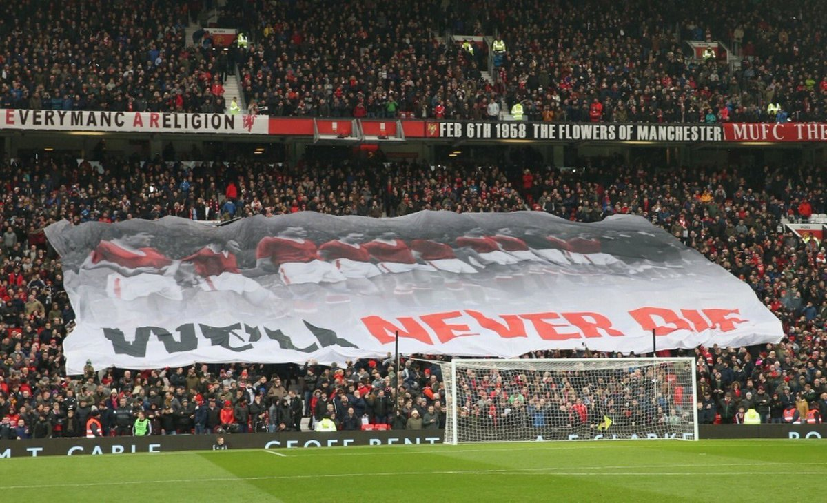 We will never forget #FlowersOfManchester 🌹