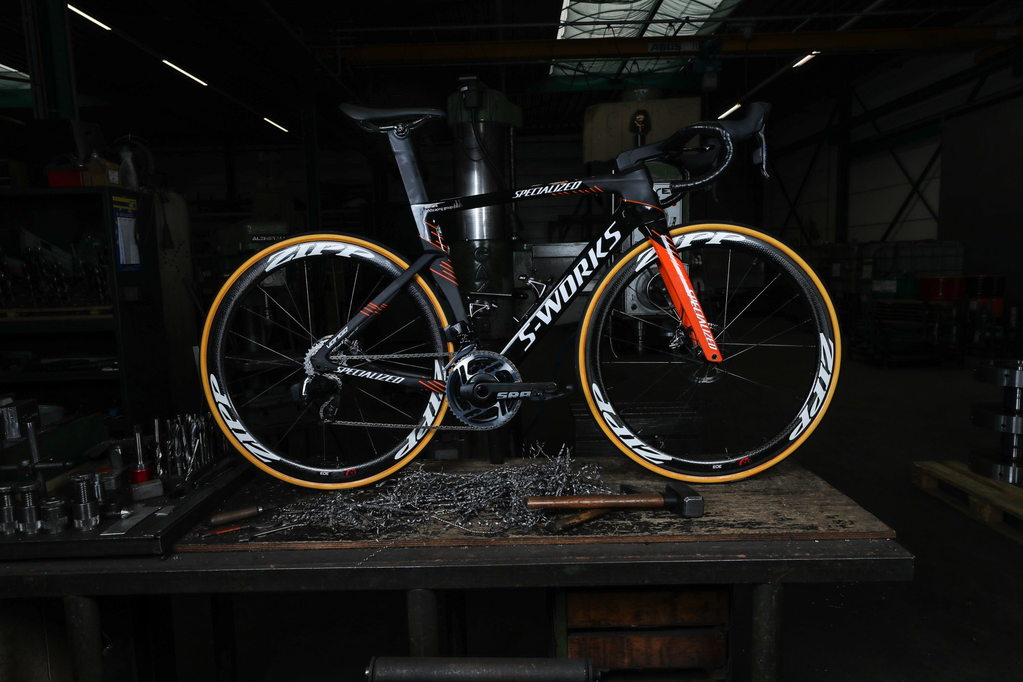 """Team SD Worx on Twitter: """"Introducing the 2019 Specialized Venge of the  @boelsdolmansct Including the new & exciting @SRAMroad eTap AXS group. This  intuitive, high performance group keeps you focussed on what's most  important - your ride ..."""