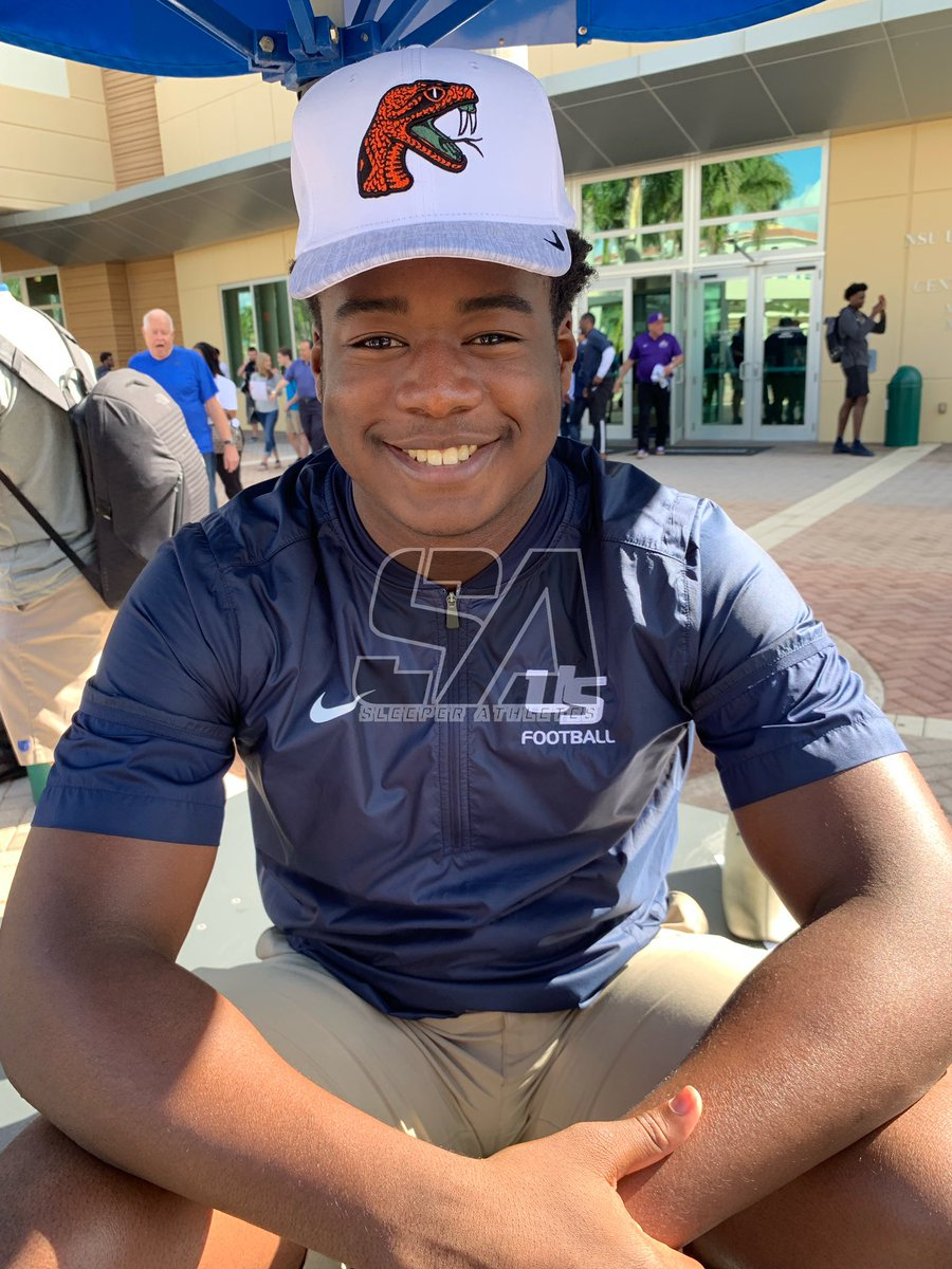 #USchool (FL) 2019 LB Mo Telfort (@king_moe28) signs with the #FAMU #Rattlers 🐍🐍🐍
