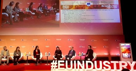 """RT plattform_i40: RT ZVEIorg: #EUIndustryDays EU_Commission: """"Industrial #AI is key for securing welfare, jobs & global competitiveness in #Europe. It needs sufficient funding & application-oriented approaches"""", comments Oliver Blank, head of ZVEI #Europ…"""