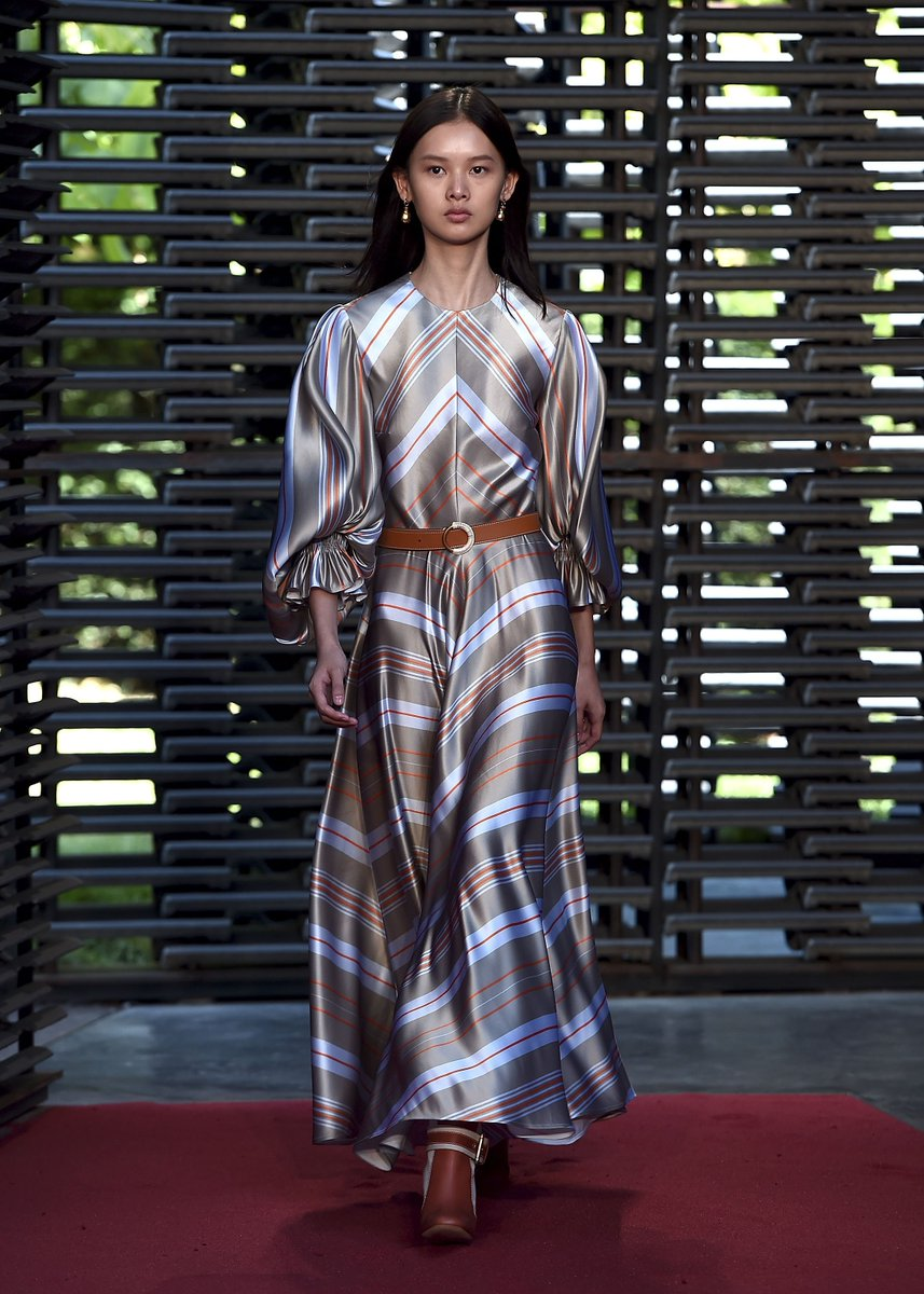 London Fashion Week On Twitter Tbt Roksandailincic S Lfw Ss19 Show At The Serpentineuk Returning To The Official Schedule This Season See The Full List Of Designers Presentations Events At Https T Co Mfaet6u5r9 Https T Co 6wru4j1am4