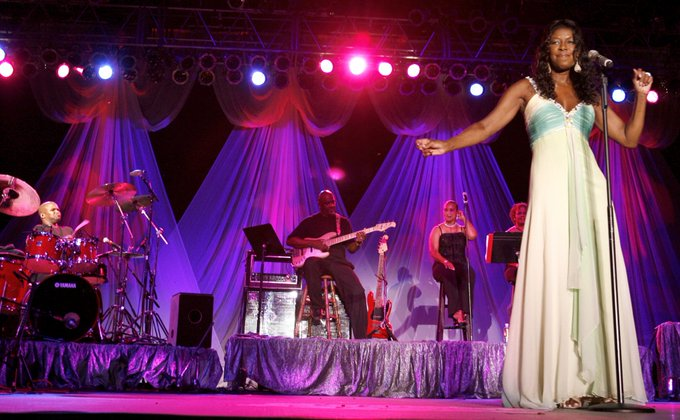 Happy Birthday to the late Natalie Cole! Natalie performed at Live at the Garden back in 2007.