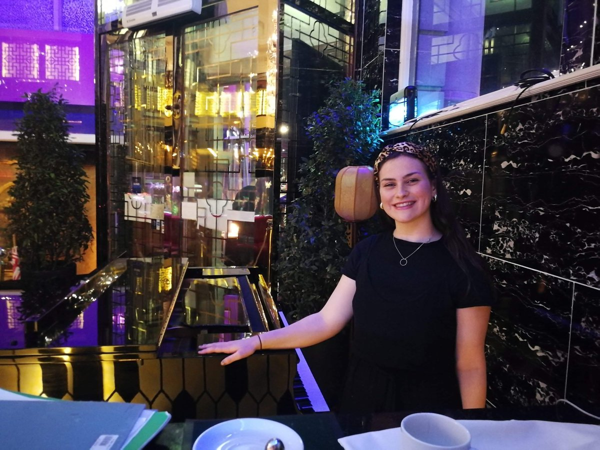 test Twitter Media - Here's a pic of our SHOWCASE performer Rosie Sheppard at Shanghai 1814 in the city after playing some classical tunes last week! Catch her there again this Saturday from 7pm! @UoSMusic @ArtsUniSouth https://t.co/Nvv7iRMDmI
