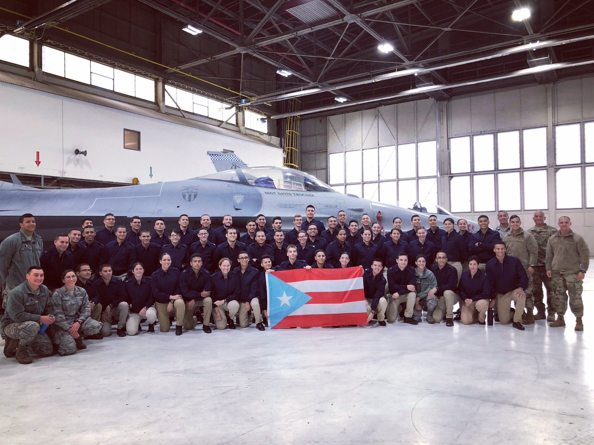 Cadets from Air Force Det 756, @UPR_Oficial, visited the 113th Wing as part of their tour of @jointbaseandrews. The cadets were able to learn about the 113th mission and see our F-16s first hand! #dmv #puertorico #airforce #airnationalguard