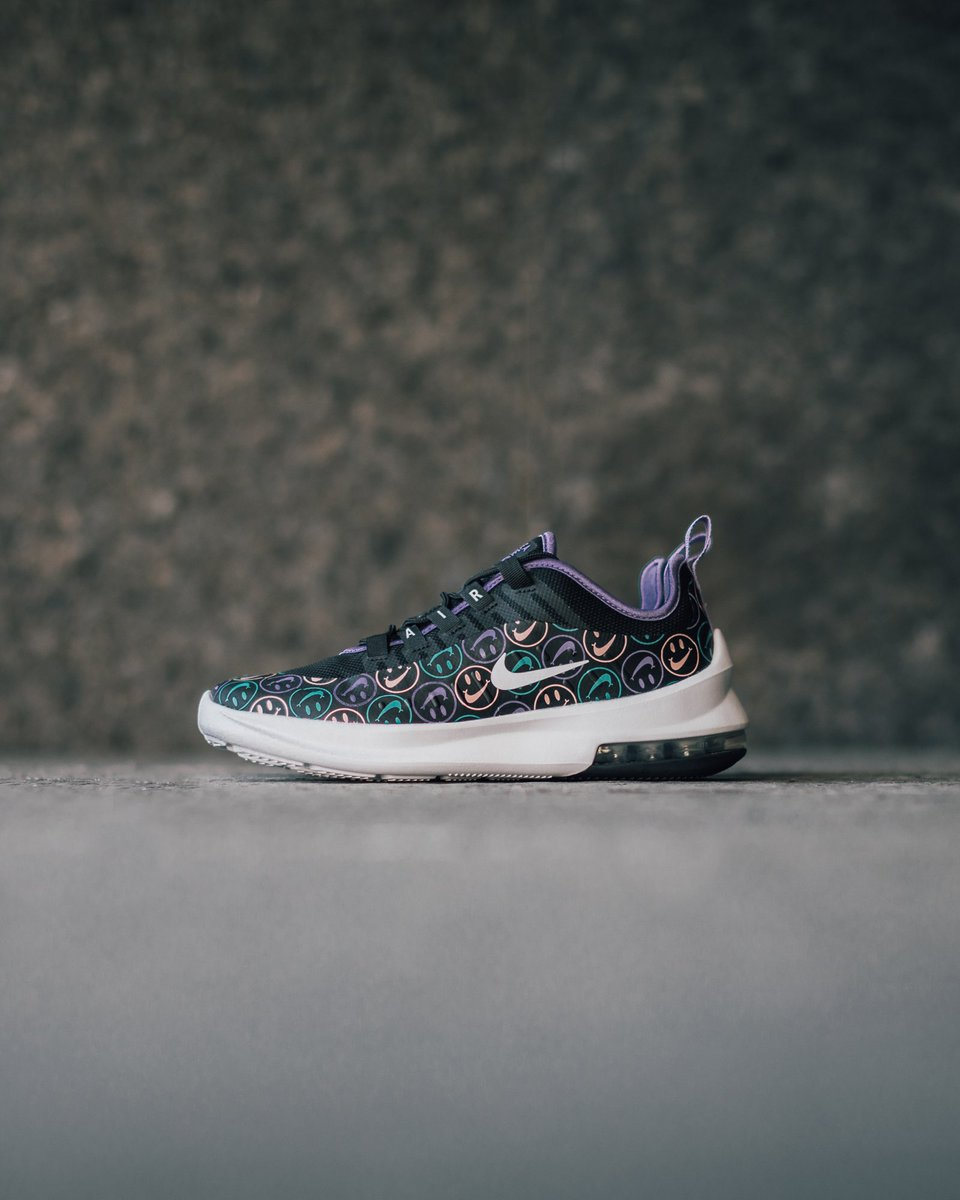 46d1f04772798 Have a Nike Day! The  Nike Air Max Axis Grade-School Multi Color is now  available in-store and online. Link to cop  https   bit.ly 2BlaXFL pic. twitter.com  ...