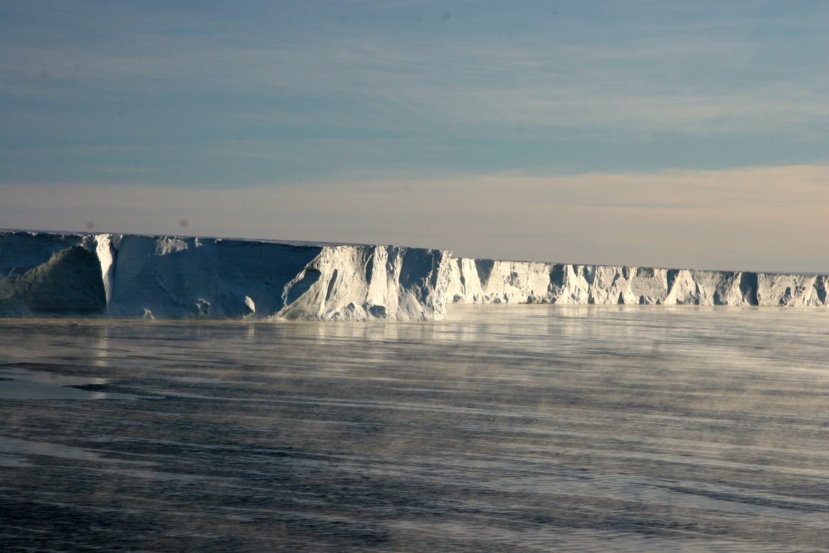 """Our new @nature study finds that rapid Antarctic ice sheet collapse by unstable cliffs is less likely than previously thought. But, like life, it's not a simple story. """"Polar Thinking"""": my @PLOS blog at https://t.co/7QCc8LiUXN #meltingpoint"""
