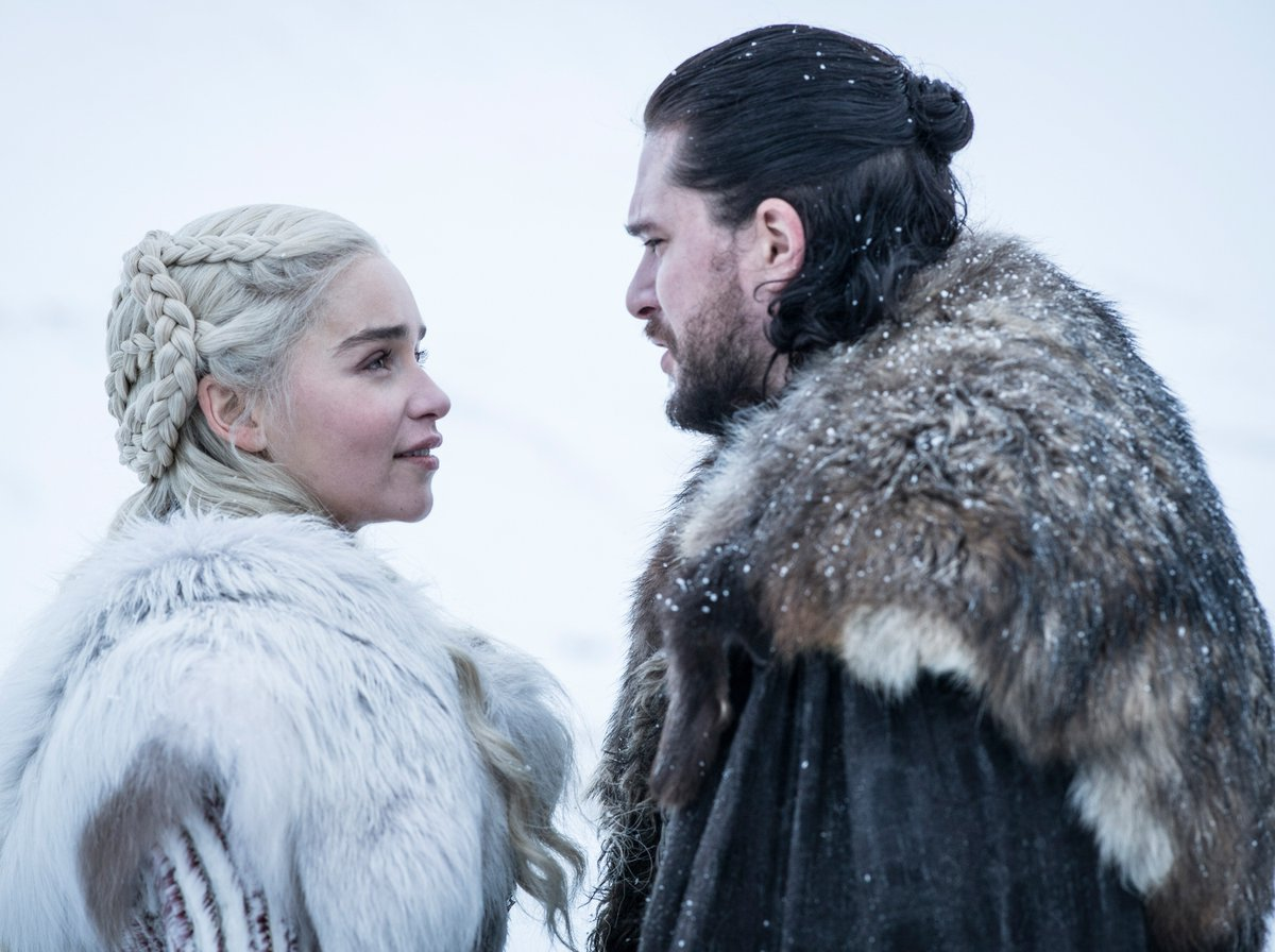 🐉+ 🐺 View new photos from #GameofThrones Season 8: https://t.co/ApqiW05D2w  (Photos: Helen Sloan/HBO)