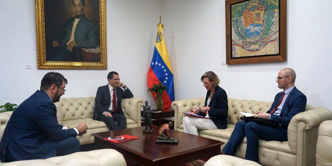 Maduro: Si algo me pasa, ¡retomen el poder y hagan una revolución más radical! - Página 6 DywAImZXQAEnmPE