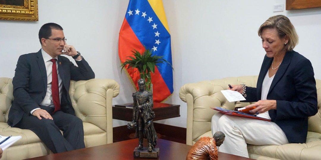 Maduro: Si algo me pasa, ¡retomen el poder y hagan una revolución más radical! - Página 6 DywAK8YXgAIH-Oz