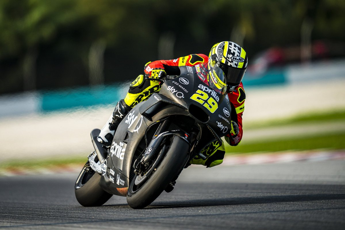 First day of the #SepangTest! Good sensations straight away for @AleixEspargaro and @andreaiannone29. See more here; https://t.co/wEueAT91hH  #aprilia | #motogp | #ai29 | #ae41 https://t.co/tw2UCo7NTL