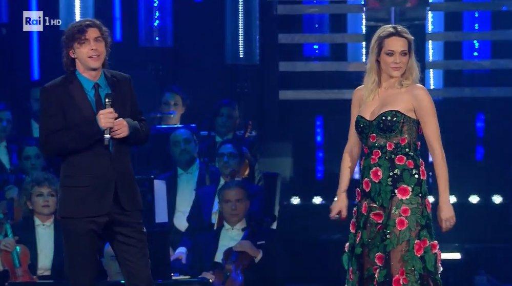 🎤 Michele Riondino e Laura Chiatti cantano Lucio Battisti 🎤#Sanremo2019 #FinalmenteSanremo #Battisti
