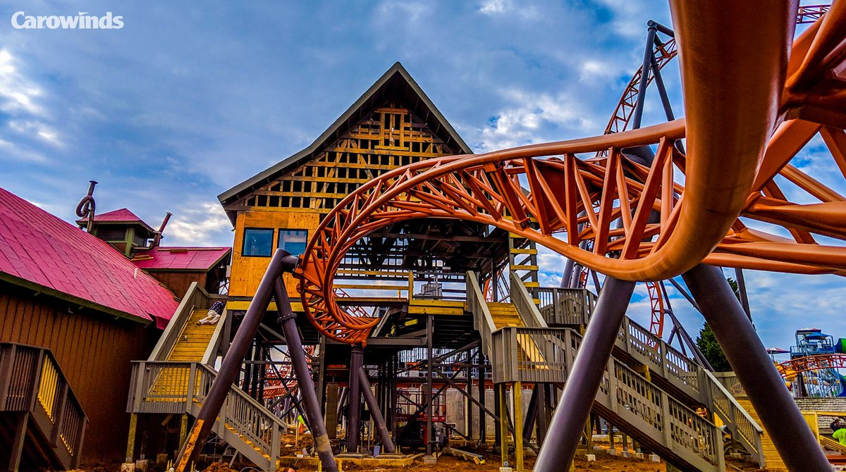 Roll out. #CopperheadStrike #Carowinds https://t.co/VoLbnDdVIn -- @Carowinds